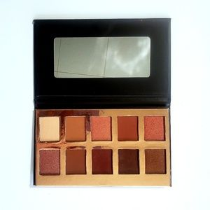 Crown Cosmetics Temptation Eyeshadoe Palette